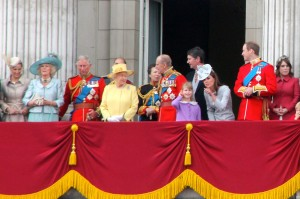 1600px-British_Royal_Family,_June_2012